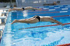 Start wyścigu pływackiego
