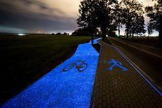 Ścieżka rowerowa świecąca w ciemności