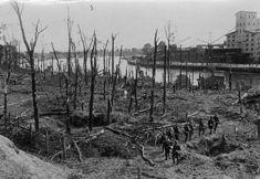 Naziści wizytujący zgliszcza po obronie Westerplatte.
