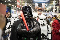 Zdjęcie fana Gwiezdnych Wojen pochodzi z serwisu shutterstock.com