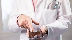 Studenci wykryli 42 szczepy różnych drobnoustrojów na telefonach komórkowych pacjentów jednego ze śląskich szpitali