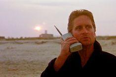 """Motorola DynaTAC pojawiła się w filmie """"Wall Street"""" (1987) z Michaelem Douglasem"""