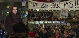 Tadla protestuje pod TVP Winny jest każdy kto powie słowo które rani