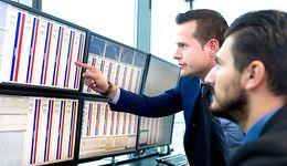Polacy z rezerwą podchodzą do inwestowania w akcje. Program Orlenu może to zmienić