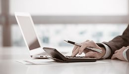 Małe i średnie firmy szukają mikropożyczek w sieci. Dostają je od sztucznej inteligencji