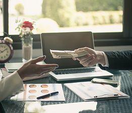 Chcesz mieć grubszy portfel? Oto pięć dobrych postanowień finansowych na nowy rok