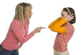 Znalezione obrazy dla zapytania rodzic slucha dziecka