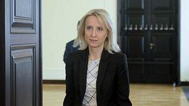 Minister Czerwińska we wtorek najpewniej straci stanowisko. Ale nie musi się martwić o pracę, co pokazują losy jej poprzedników