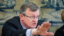 Przewodniczący podkomisji Tadeusz Cymański wyjątkowo często odbierał dziś głos frankowiczom.
