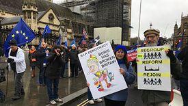 Wielka Brytania opuszcza Unię Europejską, a duża część Brytyjczyków ma nadzieję na powrót do Wspólnoty