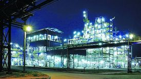 Dane GUS wskazują na szybki rozwój branży chemicznej.