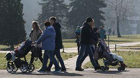 Polski rząd będzie miał trzy lata na wdrożenie unijnego prawa dotyczącego dzielenia opieki nad dzieckiem.