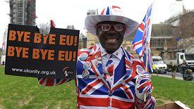 Wielka Brytania wyszła z Unii. Połowa Brytyjczyków się cieszy, druga połowa - smuci