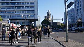 Pomysł z Berlina to hybryda dochodu gwarantowanego, zasiłku i robót publicznych.