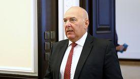 - Na bieżąco analizujemy sytuację - zapewniał w czwartek minister Tadeusz Kościński.