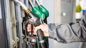 Opłata wzrośnie zarówno na benzynę, jak i na olej napędowy oraz gaz.