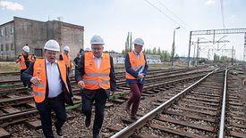 Przebudowywana Centralna Magistrala Kolejowa w Idzikowicach, 26.04.2019. Prezes PLK Ireneusz Merchel i minister infrastruktury Andrzej Adamczyk.