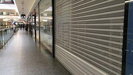 Ostrzejszy zakaz handlu to nie tylko mniej odwiedzających centra handlowe, ale także spadki obrotów sklepów.