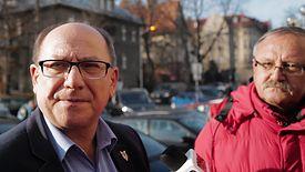 Szef górniczej Solidarności Bogusław Hutek (po lewej) poinformował po spotkaniu, zarząd PGG nie przedstawił w środę związkowcom żadnych konkretnych propozycji płacowych.