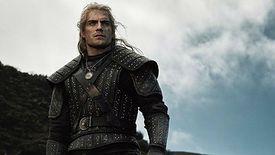 Henry Cavill w roli wiedźmina Geralta. Kadr z serialu Netfliksa