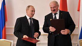 Do spotkania Władimira Putina (po lewej) i Alaksandra Łukaszenki doszło 20 grudnia. Obie strony nie ustaliły wciąż trzech punktów umowy.