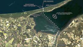 Niski stan wody na Zalewie Wiślanym uniemożliwia budowę sztucznej wyspy bez pogłębienia toru wodnego na odcinku ok. 1600 m.