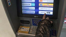 Poza płatnościami w internecie, najczęściej z BLIK-a korzystamy w bankomatach.