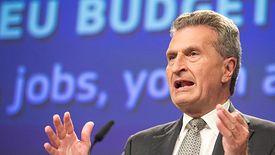 Unijny komisarz Guenther Oettinger przyznał, że naruszenia praworządności w krajach UE napawają go niepokojem