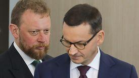 Łukasz Szumowski i Mateusz Morawiecki. Opłata cukrowa ma się pojawić już w 2020 roku