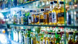 Producenci alkoholu chcą pomóc w walce z epidemią.