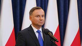 """Prezydent Andrzej Duda zapowiada """"tarczę antykryzysową"""", która ma osłonić firmy przed efektami pandemii koronawirusa"""