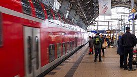 W 2018 r. Deutsche Bahn zatrudnił 19 tys. pracowników, ale nadal brakuje maszynistów i obsługi pociągów