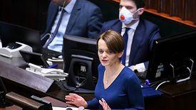 """We wtorek zbiera się Sejm. """"Musimy przyjąć tę ustawę"""" - mówi minister rozwoju Jadwiga Emilewicz"""