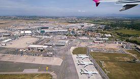 Włochy. Na zdj. lotnisko Fiumicino obsługujące Rzym