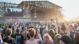 Festiwal Pol'And'Rock (dawniej Przystanek Woodstock) to coroczny festiwal, który w Kostrzynie nad Odrą gromadzi setki tysięcy fanów muzyki