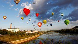 Setka balonów nad Kownem