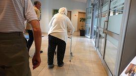 Opiekun osoby starszej jest w chwili obecnej zawodem deficytowym.