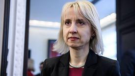 Kierowany przez Teresę Czerwińską resort finansów musiał wprowadzić do e-PIT-u dodatkowe zabezpieczenia.
