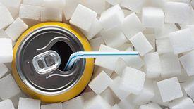 Spożywamy za dużo cukru w różnych postaciach. Rząd postanowił to zmienić przez nałożenie nowych podatków