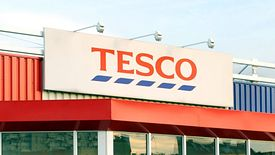 Tesco w rok zamknęło w Polsce 62 sklepy i nie otworzyło żadnego nowego.