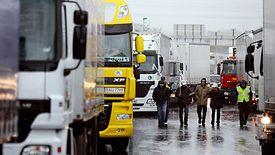 W ciągu zaledwie kilku dni kryzysu przewoźnicy stracili już ok 4 mld zł