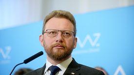 Łukasz Szumowski, minister zdrowia, proponuje opłatę cukrową i opłatę od małpek