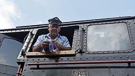 Co trzeci maszynista jest po pięćdziesiątce. Zdjęcie ze skansenu taboru kolejowego w Chabówce