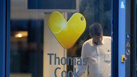 Szacuje się, że w chwili upadku ponad 600 tys. klientów na całym świecie miało wykupione wycieczki i pobyty wypoczynkowe u Thomasa Cooka.