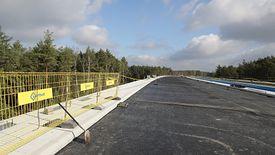 Budowa Południowej Obwodnicy Warszawy trwa. Ważny most coraz bliżej ukończenia