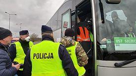 Pasażerowie większych autokarów muszą się przygotować na kontrole, które potrwają 30-40 minut