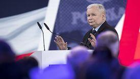 Jarosław Kaczyński obiecuje wyższe dopłaty dla rolników.