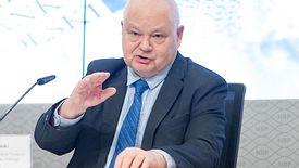 """W poniedziałek NBP zaproponował, by czasowo obniżyć pensje Polakom. """"Lepsze to niż bezrobocie"""" - czytamy w komunikacie banku."""