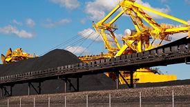 Węgiel wciąż ma wielu zwolenników. Zmiana nadchodzi, ale powoli.