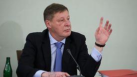 Andrzej Parafianowicz zeznaje przed komisją śledczą.